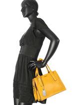 Top Handle Tess Leather Etrier Yellow tess ETESS01-vue-porte