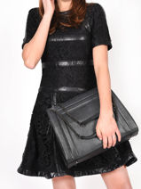 Leather Delicate Irisé Shoulder Bag Etrier Black delicate irise EDEI01-vue-porte